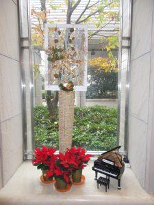 ロビークリスマス仕様窓オブジェ